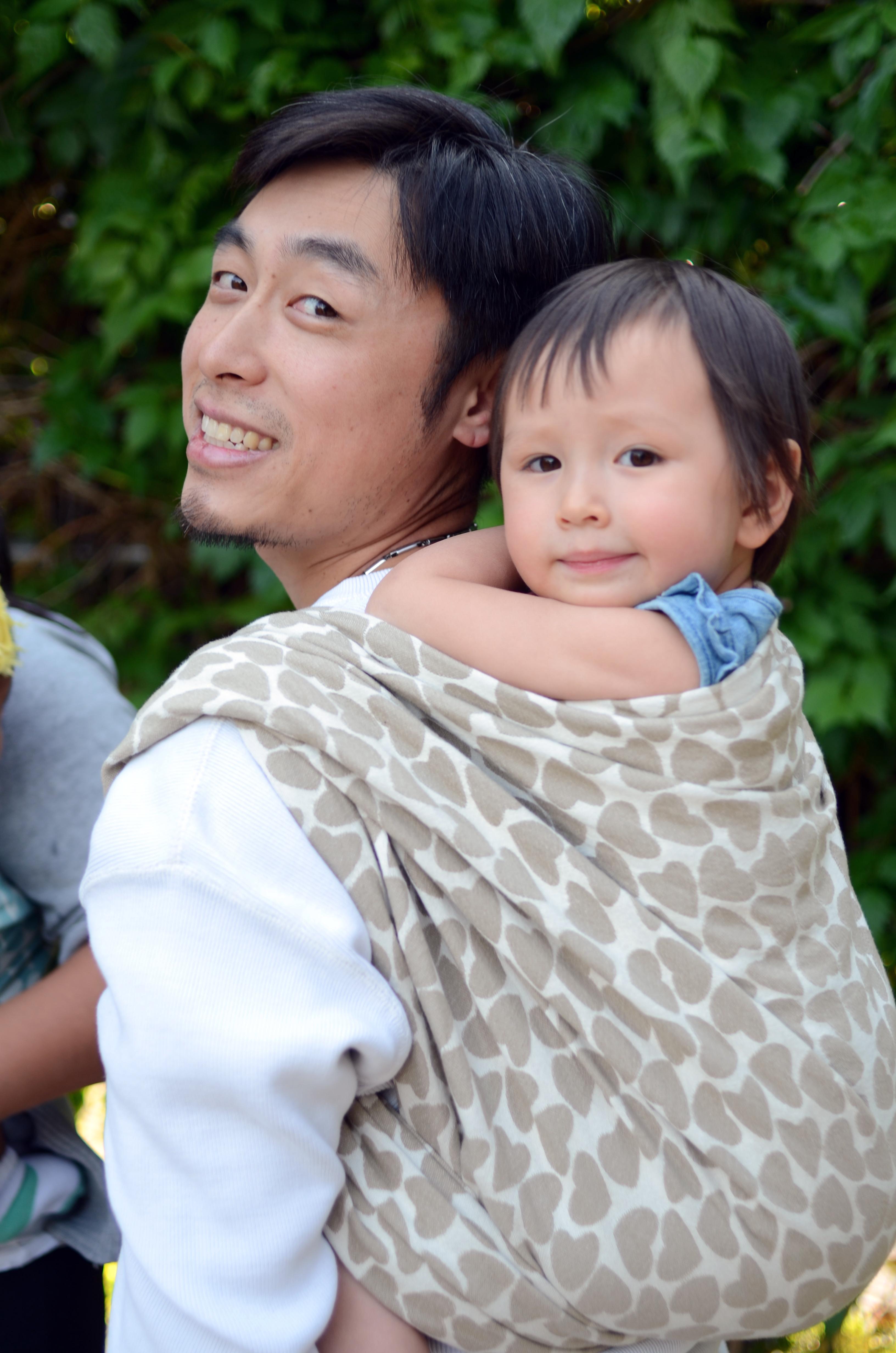 Toddlerwearing A Primer On Toddler Carriers Modern Babywearing